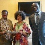 15 Set 2015 – Entrega del Tratado de creación de la CGG a la Embajadora Febe Potgieter-gqubule, en representación de  S.E. Nkosazana Dlamini Zuma, Presidente de la Comisión de la Unión Africana.